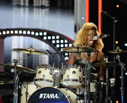 American Idol 2013 Videos: Zoanette Johnson Performs With Drums (VIDEO)