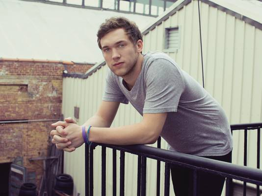 American Idol 2013 Spoilers: Phillip Phillips Cancels Tour
