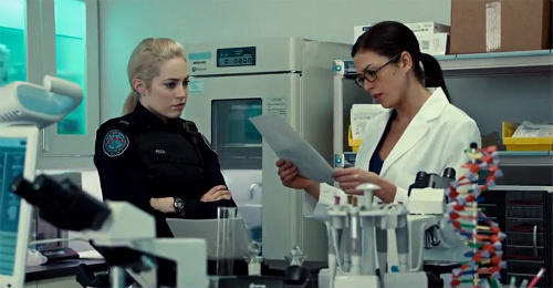 http://gossipandgab.com/wp-content/uploads/2013/08/Rookie-Blue-4x9-Gail-and-Holly-in-the-lab.jpg