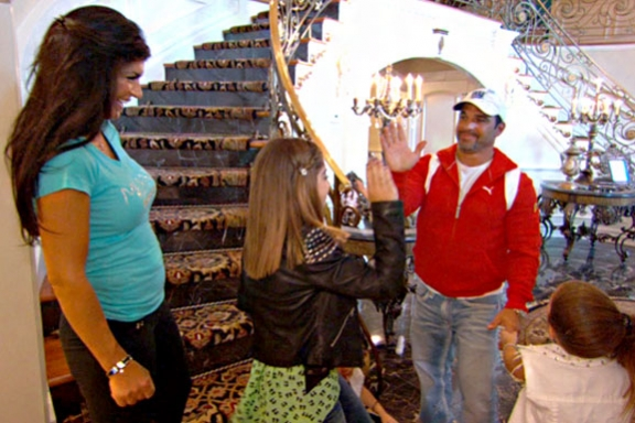 Keeping Up with the Kardashians 2013 Episode 11 Recap-Beach House