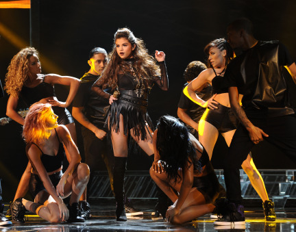 The X Factor 2013 Season 3 Spoilers: Selena Gomez Performance (VIDEO)