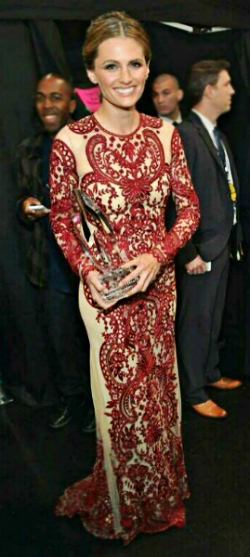 Stana Katic PCA 2014 WINNER -1