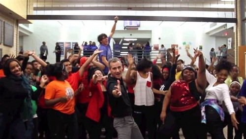 High School Teacher and Students Dance To Uptown Funk (VIDEO)