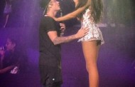 Justin Bieber Surprises Ariana Grande On Stage
