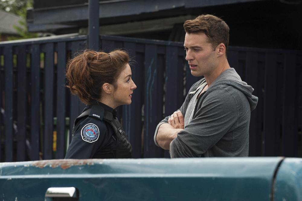 Rookie Blue 6x4 (Photo: ABC/Caitlin Cronenberg) ERIN KARPLUK, PETER MOONEY