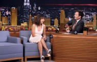 Rashida Jones Sings Holiday Parodies with Jimmy Fallon (VIDEO)