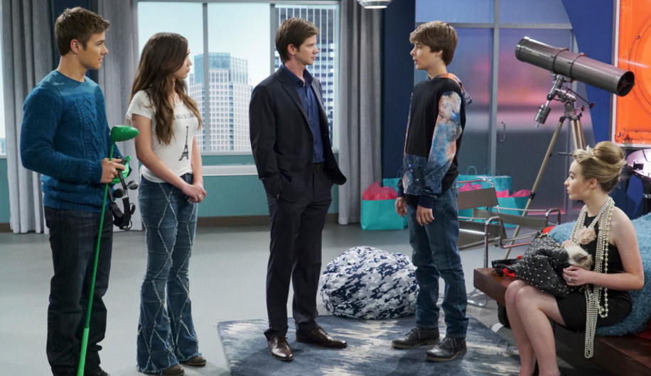girl meets new years josh Comedy farkle tells riley that she has until midnight on new year's eve to tell everyone how she really feels about lucas girl meets the new year poster trivia was a last minute script write, because actor who plays joshua (uriah shelton) was in a motorcycle accident and was unable to film the episode see more.