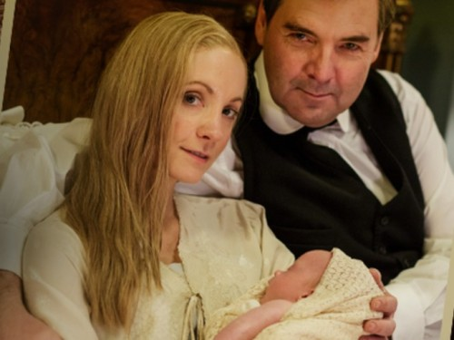 Joanne Froggatt as Anna Bates and Brendan Coyle as John Bates with their new son
