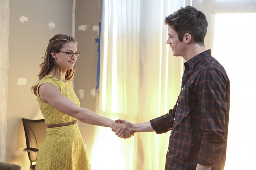 Supergirl 1x18 World's Finest Recap Let's Clone Grant Gustin So We Can Have More Supergirl x The Flash Crossovers
