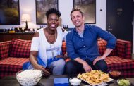 Leslie Jones Watches Game of Thrones with Seth Meyers (VIDEO)