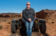 Matt LeBlanc Signs On To Host Top Gear For Two More Seasons
