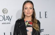 Olivia Wilde Shames NYC Subway Riders For Not Giving Up Their Seats