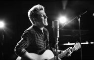 "Niall Horan Debuts Solo Single ""This Town"""
