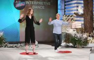 Emma Stone Twerks and Dances It Out on The Ellen Show (VIDEO)