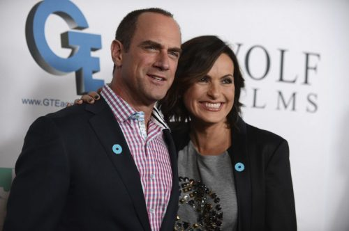Mariska Hargitay and Christpher Meloni Share Christmas Selfie