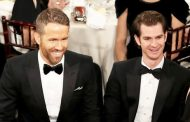 Andrew Garfield Discusses the Kiss with Ryan Reynolds During the Golden Globes