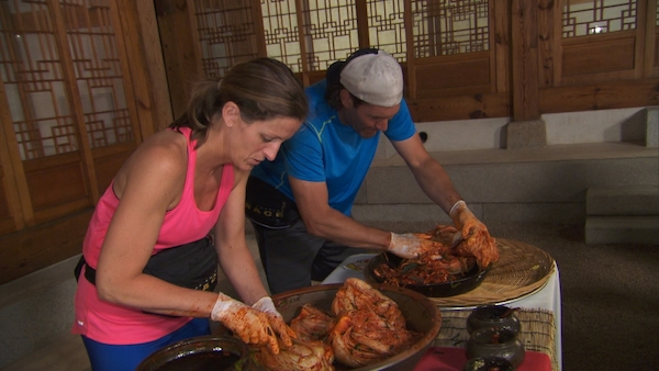 The Amazing Race 2017 Live Recap: Week 9 – Who Makes The Finale?