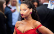 Check out her amazing response: Rihanna just clapped back at a fan who dropped a nasty comment on her latest pic!