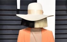 (PHOTO) Sia Outwits Paparazzi by Leaking Nude Photo
