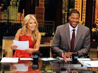 Live! With Kelly 2012: Kelly Ripa Announces New Co-Host Is…