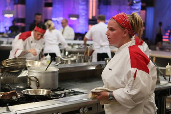 hell s kitchen season 13 spoilers week 5 14 chefs compete video rh gossipandgab com hells kitchen season 1 episode 3 hells kitchen season 1 episode 1 day - Hells Kitchen Season 1