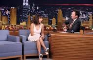 Rashida Jones Sings Holiday Parodies with Jimmy Fallon (VIDEO)