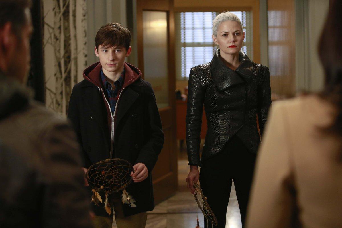 Once Upon a Time Season 5 Episode 10 Recap: Captain Dark One