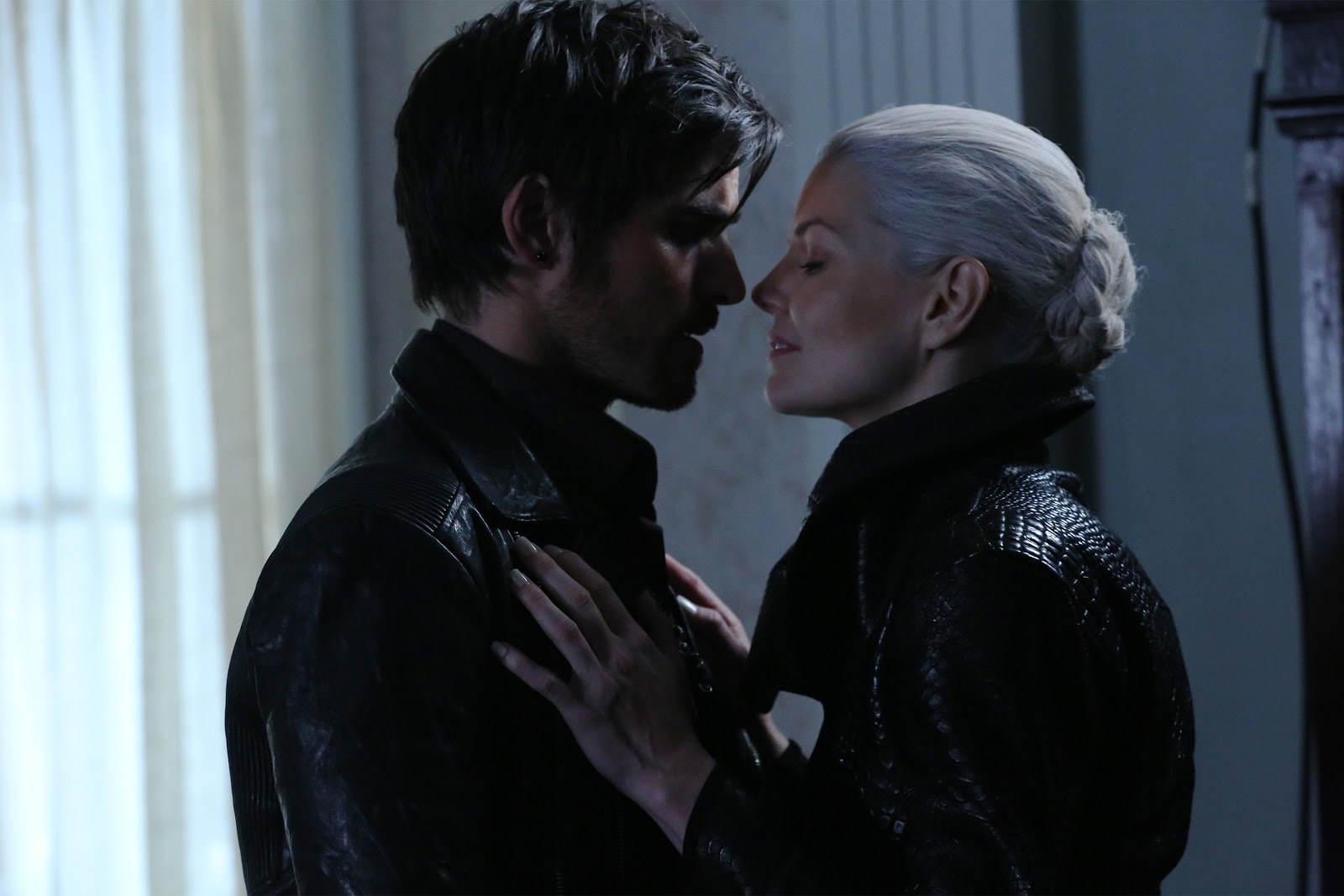 Once Upon a Time Season 5 Episode 8 & 9 Video Recaps: Dark Hook