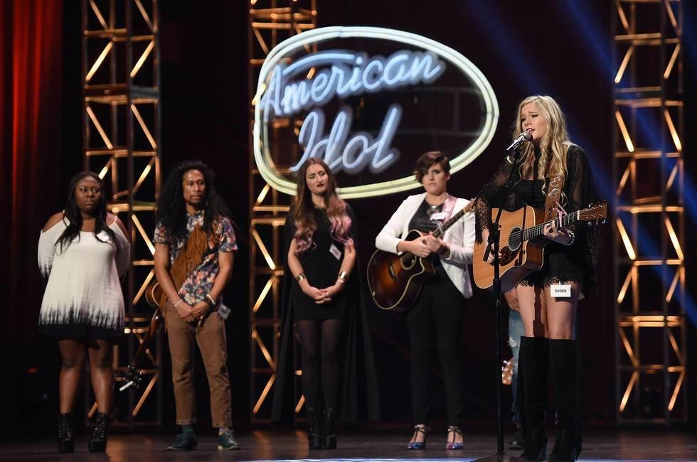 American Idol 2016 Hollywood Week Emily Brooke Video